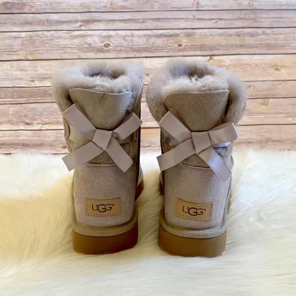 6419870e1f5 UGG Mini Bailey Bow II Boots In Oyster NWT